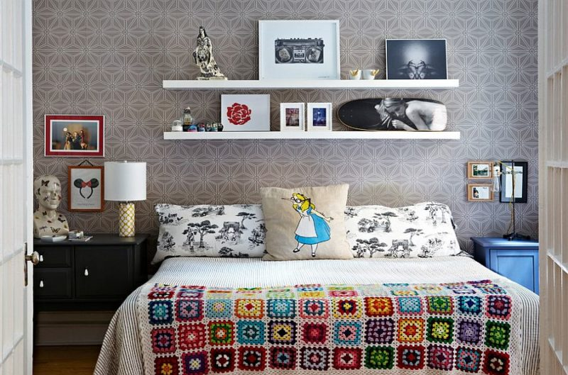 Bedside table ideas for small bedroom space